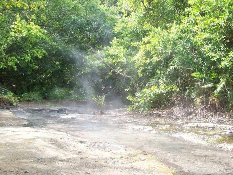 mata air panas di Rimbo Panti