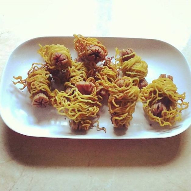 sosis goreng indomie (muthe)