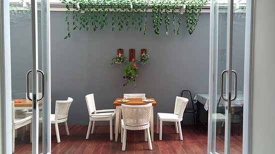 breakfast-area (1)