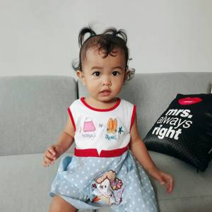 bayi rewel minta gendong
